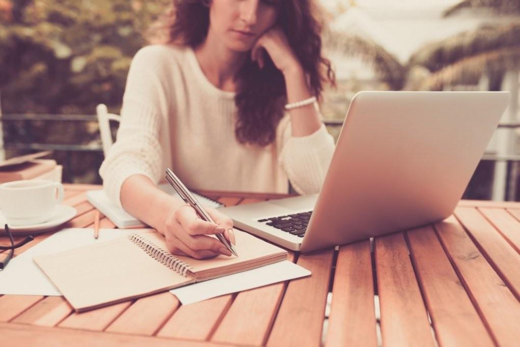 Wykształcenie w CV (rodzaje, poziomy): jak wpisać edukację?