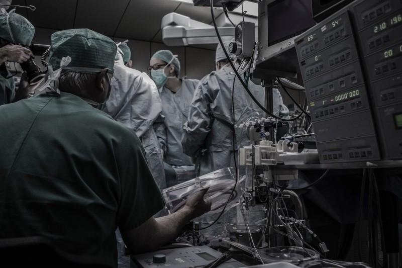 Anestezjolog: jak pracuje taki lekarz? Ile zarabia anestezjolog?