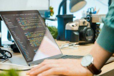 CV front end developer - wzór, przykłady i 5+ porad