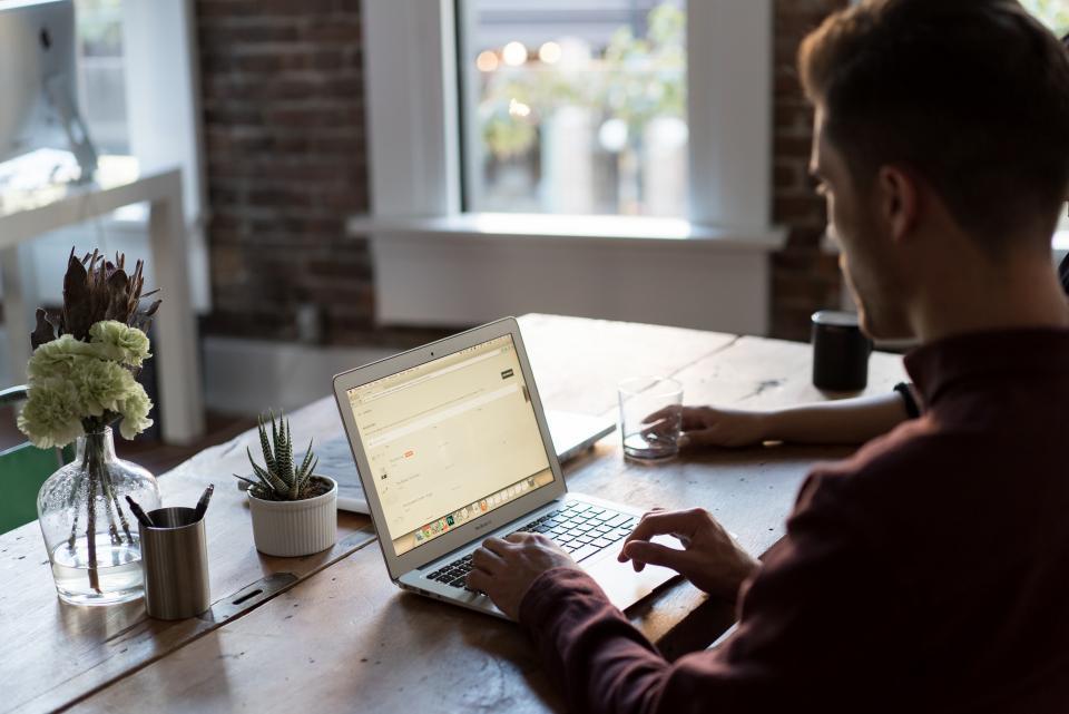 Program do pisania CV - stwórz CV online i pobierz PDF w 5 minut!