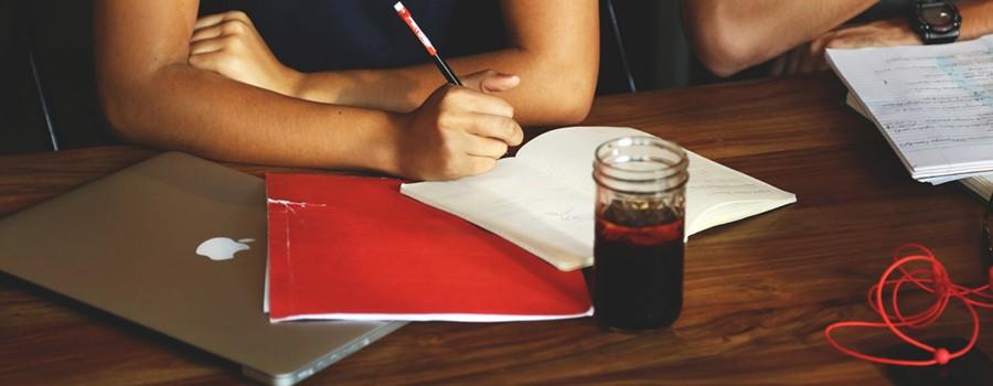 jak napisać pierwsze cv dla studenta bez doświadczenia