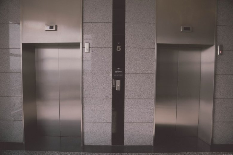 Elevator pitch, czyli błyskawiczna autoprezentacja: co zrobić by działała
