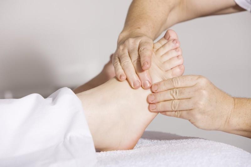 Praca dla fizjoterapeuty [zarobki, oferty]: jak wygląda i jak nim zostać?