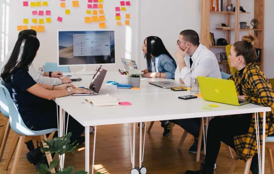 Fluktuacja kadr - jak zmniejszyć rotację pracowników w firmie?