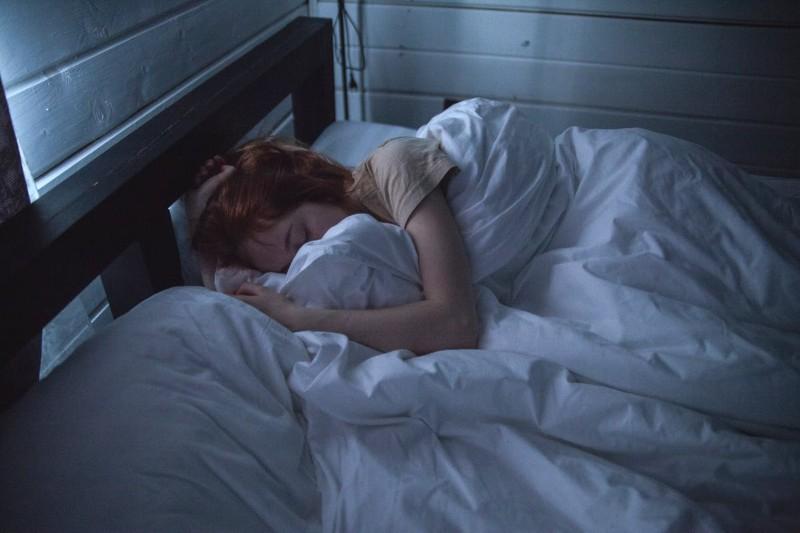 Zdrowy sen: co robić, by się wysypiać? [dobre nawyki]