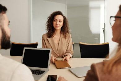 Skuteczne CV — jak je stworzyć, by zainteresować rekrutera?