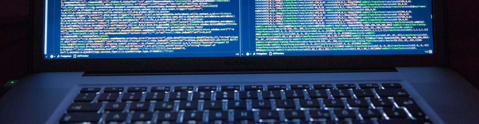Programista — zawód, praca, zarobki. Jak zostać programistą?