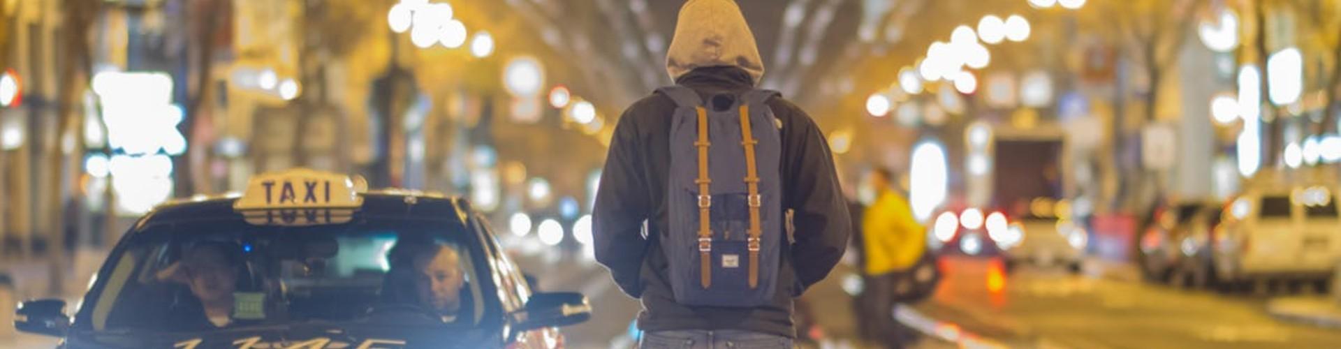 Jak zostać taksówkarzem: zarobki, kurs, egzamin i licencja taxi