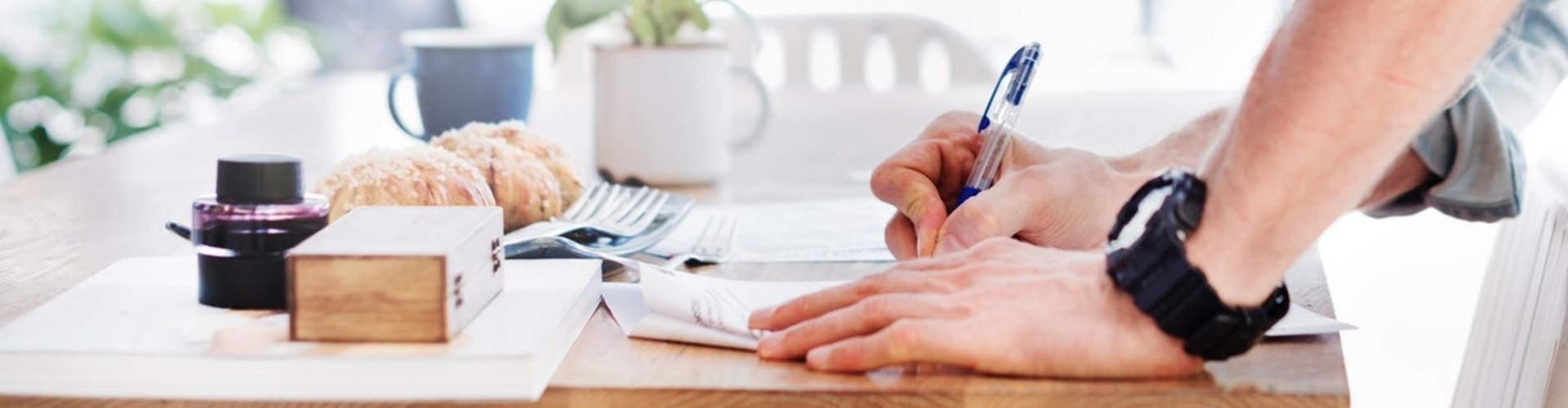 CV i list motywacyjny kierownika sklepu - wzór, przykłady + 7 porad