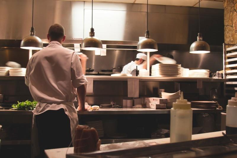 Zawód kucharz - ile zarabia kucharz i jak nim zostać?