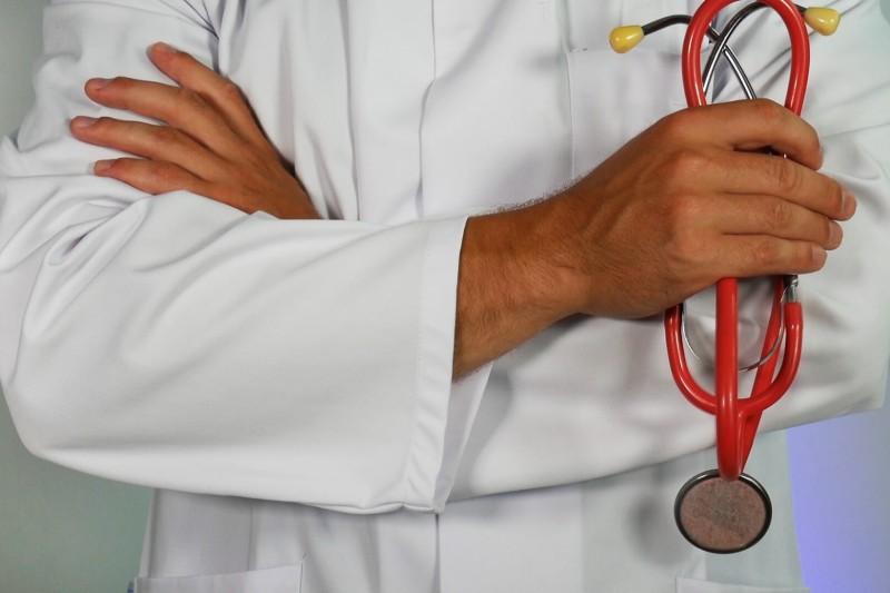 List motywacyjny opiekuna medycznego - wzór i 5+ porad