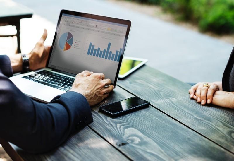 Kariera w finansach i rachunkowości - jak zdobyć pracę (oferty i zarobki)
