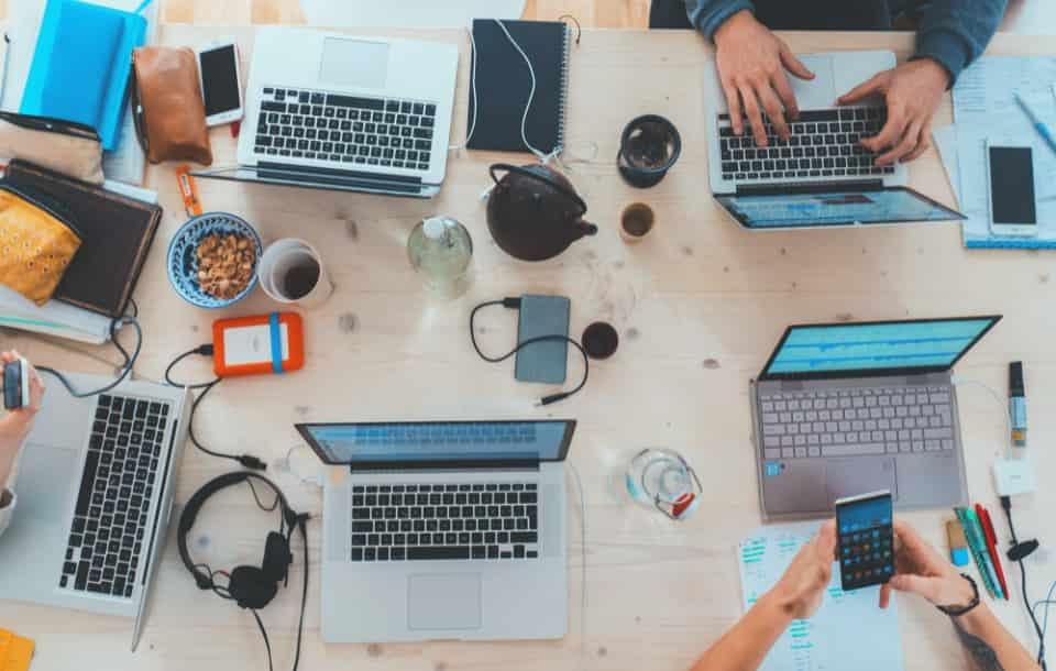 Networking - co to jest? Jak zbudować sieć kontaktów?