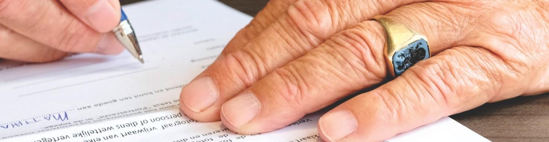 Odprawa emerytalna 2020: wysokość [Wlicza się składki ZUS?]
