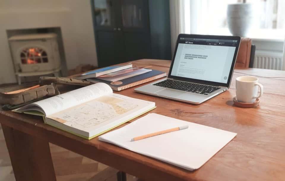 Oferta pracy / ogłoszenie o pracę - jak napisać? Wzór i porady