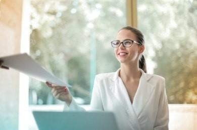 Outsourcing - co to? Na czym polega? Jakie daje korzyści?