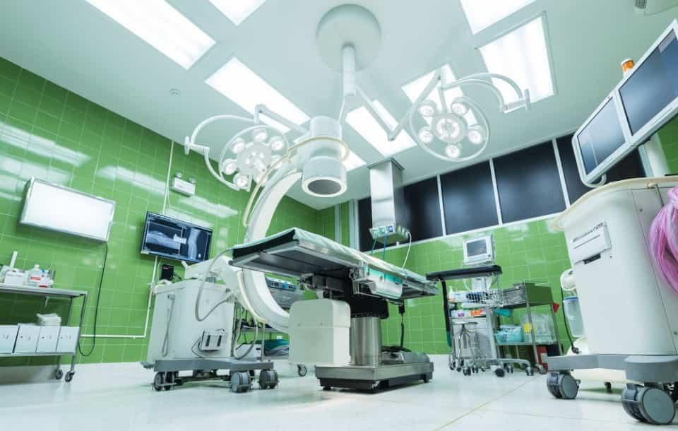 Podanie o pracę w szpitalu - wzór z omówieniem i przykłady