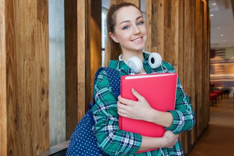 Praca dla studenta - jak dorobić? Gdzie szukać pracy? (15+ Porad)