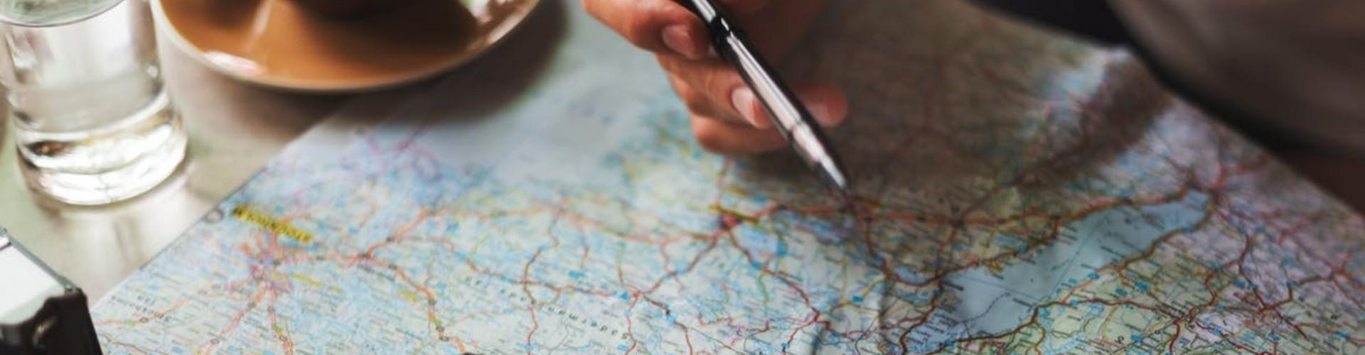 Praca w biurze podróży - zarobki, wymagania. Gdzie szukać ofert?