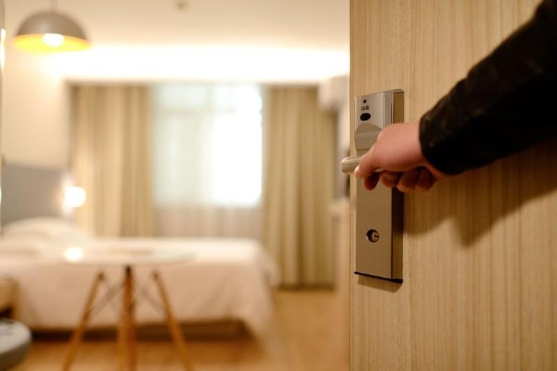 Praca w hotelu w Polsce i za granicą — opinie, zarobki, oferty pracy