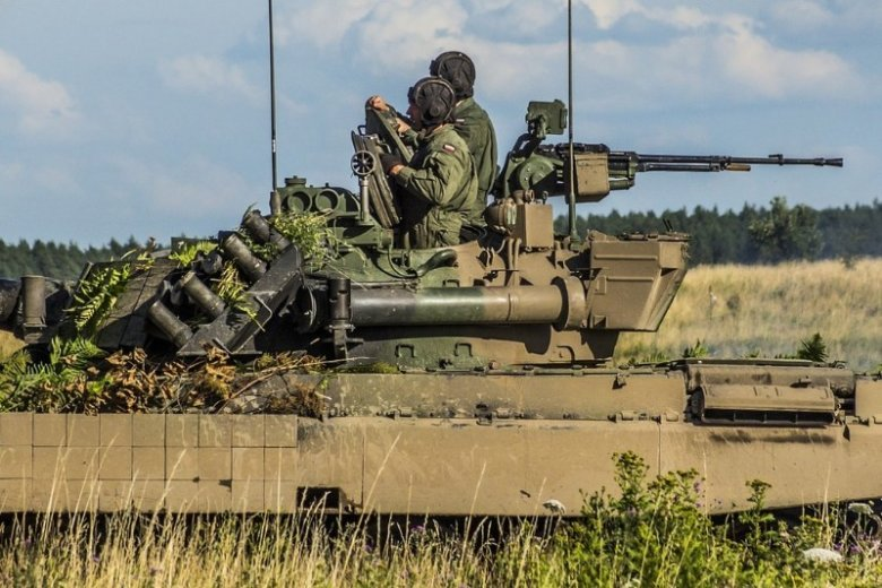 Praca w wojsku - jak się dostać? Pobór i ograniczenia wiekowe