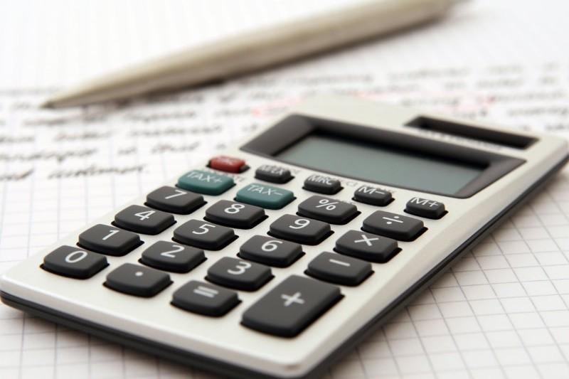 Przychód a dochód - wyjaśnienie pojęć i różnice [Jak obliczyć?]