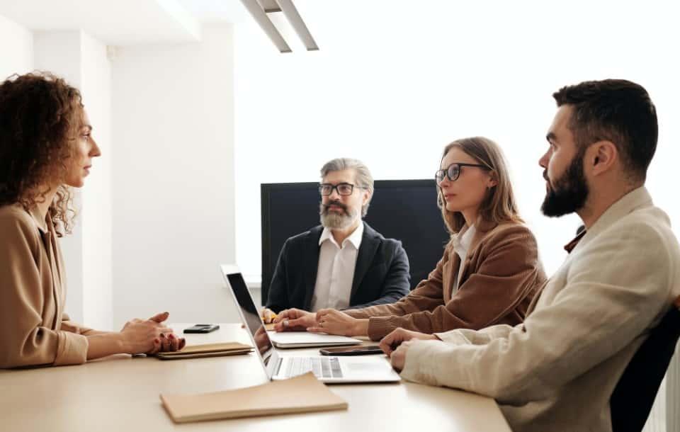 Rozmowa kwalifikacyjna: Jak się przygotować i dostać pracę?