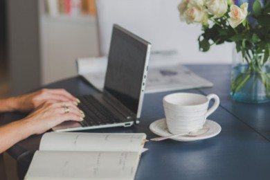 Rozwiązanie umowy o pracę bez wypowiedzenia: wzór, zasady