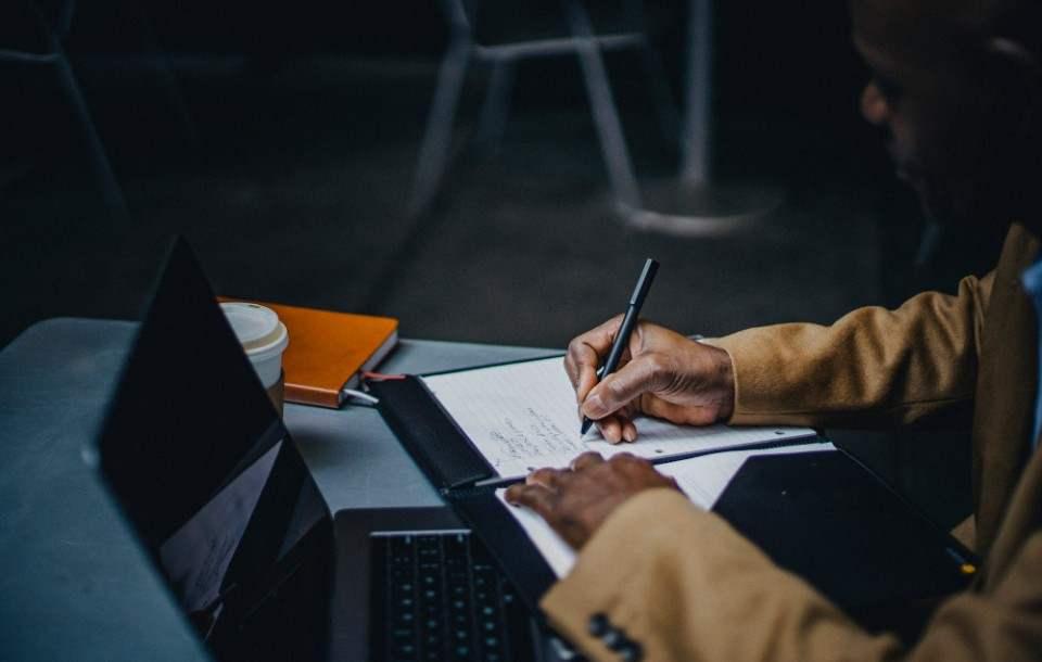 Rozwiązanie umowy o pracę na czas określony - wzór, porady