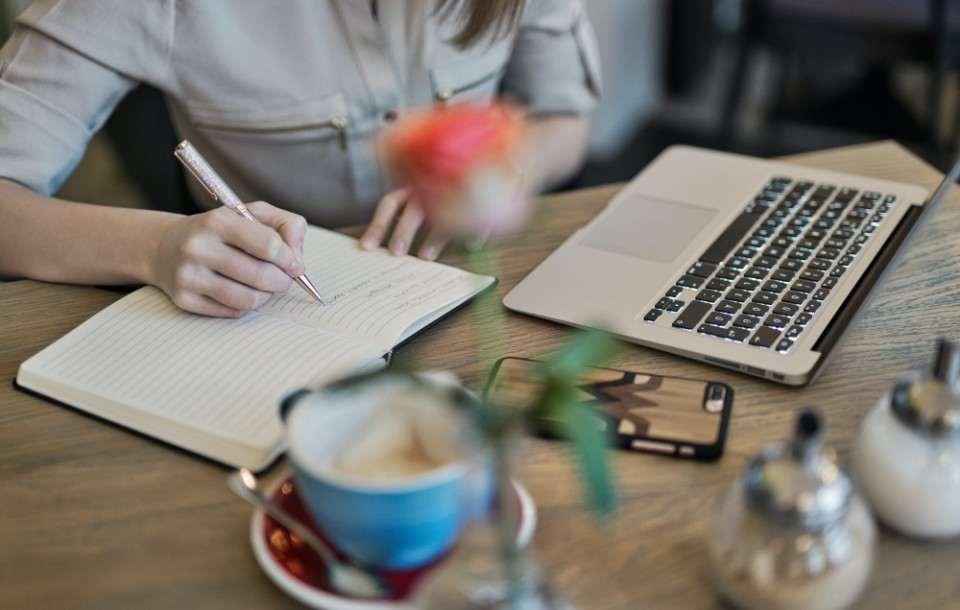 Rozwiązanie umowy o pracę za wypowiedzeniem - wzór