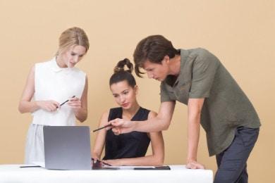 Stosunek pracy — definicja z Kodeksu pracy [+ Jakie umowy?]