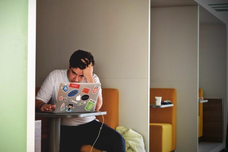 Dopadły Cię podyplomowe stresy i lęki? Oto jak sobie z nimi radzić