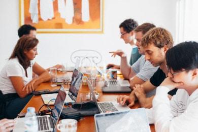 Umowa o pracę na czas określony 2021 [Wzór, zasady, limity]