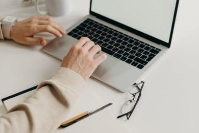 Utrata pracy - co dalej? Jak sobie radzić i zdobyć nową pracę
