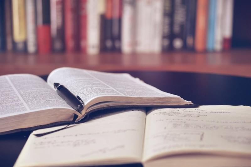 WUM inwestuje w studentów i kupuje profesjonalny kreator CV