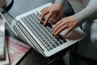 Zakres obowiązków pracownika - co to? Co wpisać? (Wzór)