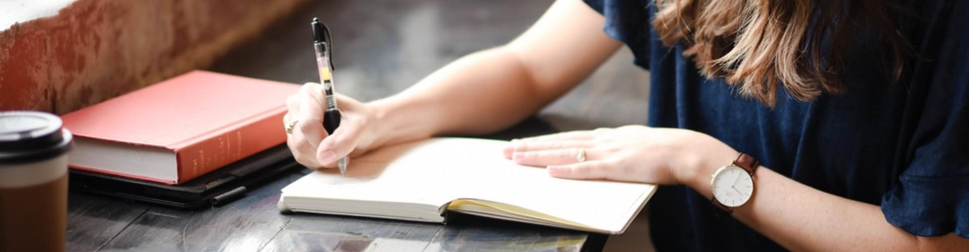 Życiorys a CV - różnice. Co to jest CV i życiorys? Definicje